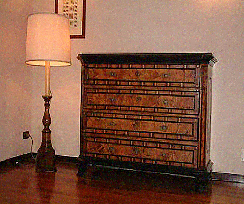 18th century Lombard chest of drawers